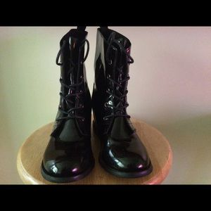 Shoe Dazzle Shoes - Patent leather wedge combat boot | Size 7.5