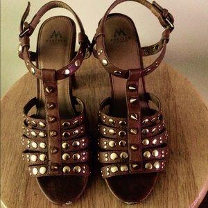 Shoe Dazzle Shoes - Tan strappy gold embellished sandal | Size 7.5