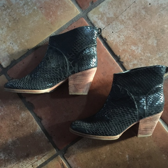 Rachel Comey Snakeskin Black Leather Boots