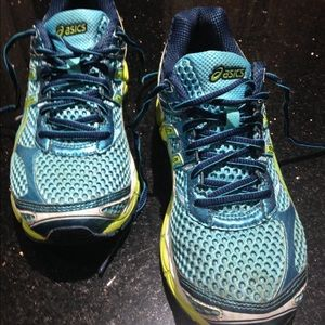 Gel Cumulus 16 Donne Asics Formato Del Pattino 9 PlbuyTRe3