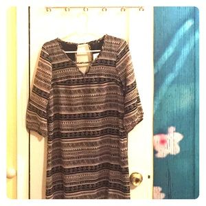 Black/taupe printed dress with 3/4 sleeves