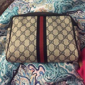 Handbags - Vintage gucci clutch/makeup case FIRM