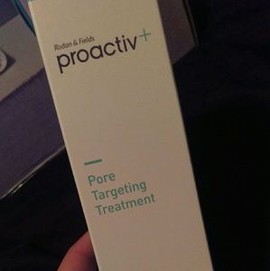 Proactiv pore targeting treatment & hydrator