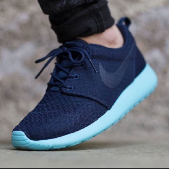 40434f8a5cde Women s Nike Roshe One Casual Shoes Brand New