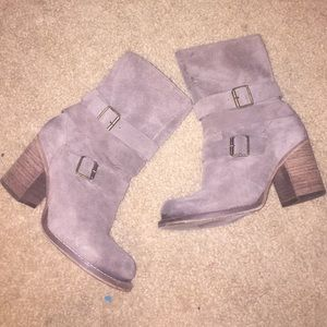 EUC Charles by Charles David boots size 6.