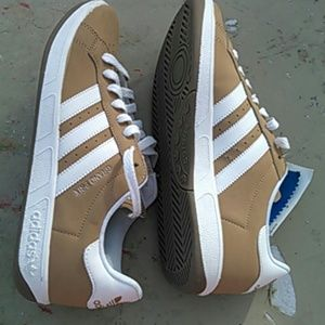 pretty nice f159f 8584f ADIDAS Shoes - MENS NEW BROWN  WHITE ADIDAS GRAND PRIX SHOES