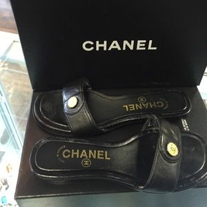 Chanel sandals 37 6.5 ⬇️