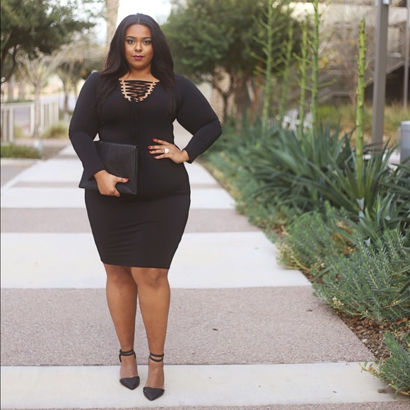Plus Size Black Criss Cross Bodycon Dress