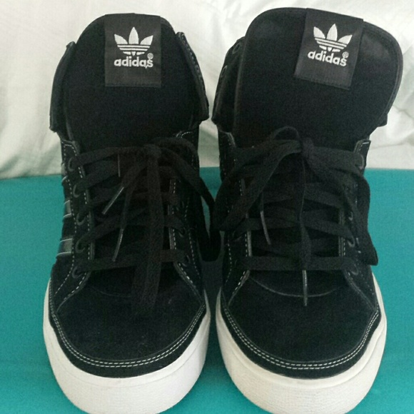 adidas shoes size 9