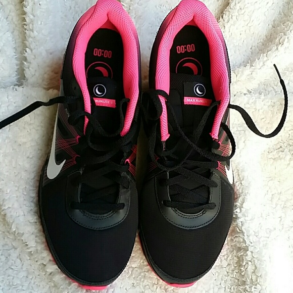 womens nike air max run lite 3 black and pink