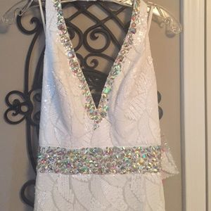 Gorgeous White Fully Sequined Evening Gown- SZ 2