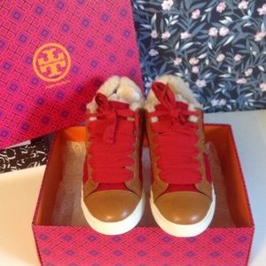 JUST IN! Tory Burch Sneaker
