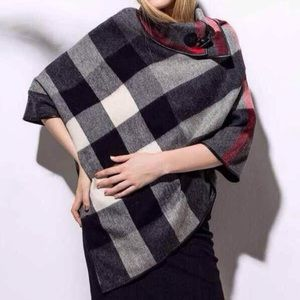 💢LAST ONE LOWEST Black plaid poncho NWT
