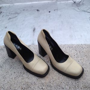 PRADA authentic pump