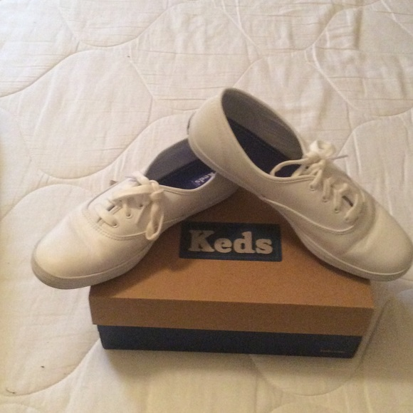 white leather keds for women size 7.5