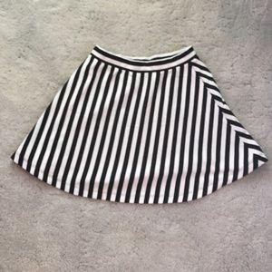 Black and white Skater Skirt!