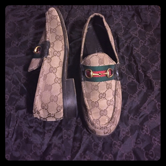 a38bb197ed6 Gucci Shoes - Gucci signature loafers