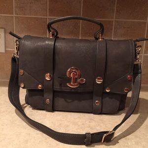 Melie bianco messenger style handbag