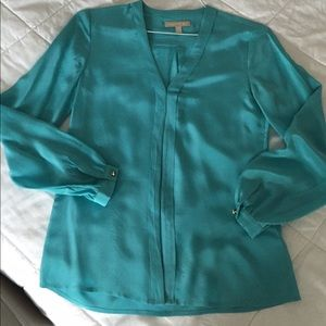 BananaRepublic 100% silk button down blouse