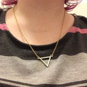 NWT Goldtone Triangle Necklace 22 Inches
