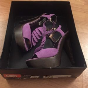 Steve Madden lilac colored platform sandals