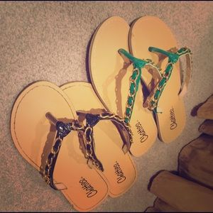 Chatties Shoes - Turquoise flip flops