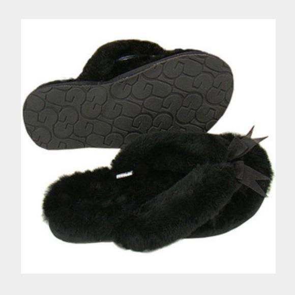 e57ba950b45 UGG thong slippers. M 5689c29f2fd0b7abb300b0c9