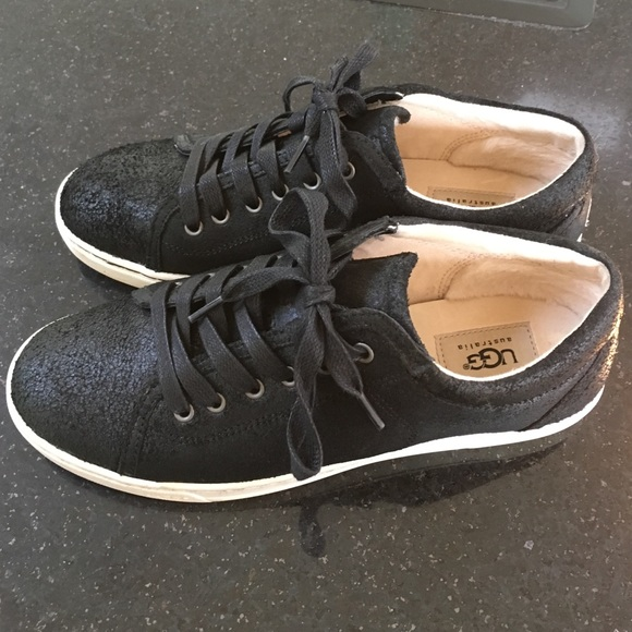00bfe080143 UGG Tomi sneakers - black suede worn once