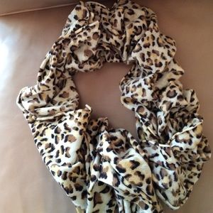 Alice and Olivia infinity scarf