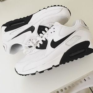 Nike Air Max 90 Black & White