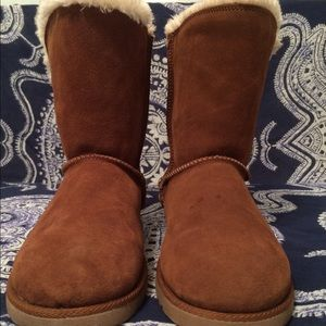 Furry nubuck boots