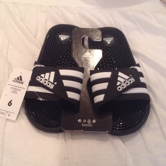 new concept 2c7c6 072ca Adidas Adissage Slides Sandals (Size 6) NWT