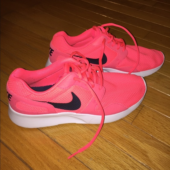 f12372d8f1b2 Nike Shoes - Neon Pink Peach Nike Running Shoes