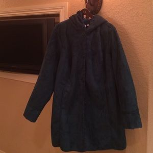 Denim & company Jackets & Blazers - Super warm Brand new never worn  green suede coat.