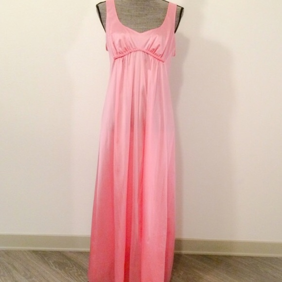 Vintage Vanity Fair Nightgown 60