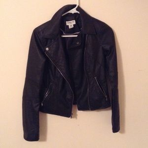 Black polyurethane jacket with zipper pockets
