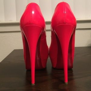 Hot pink authentic Christian Louboutins in sz 38.5
