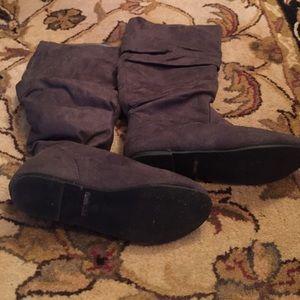 Dark grey scrunch boots size 6.5