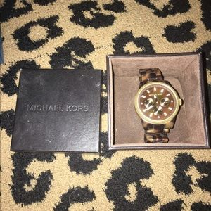 Michael kors tortoise watch 🙂🙂