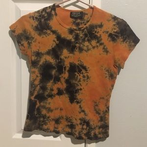 black and orange tie-dye shirt