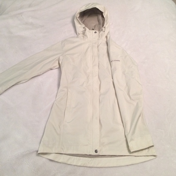 56% off Columbia Jackets & Blazers - NWOT Columbia fitted rain ...