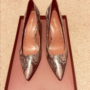Nine West pumps snake skin