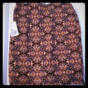 Fancy patterned mini skirt from Forever21 (new)