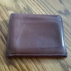  Authentic GUCCI leather wallet