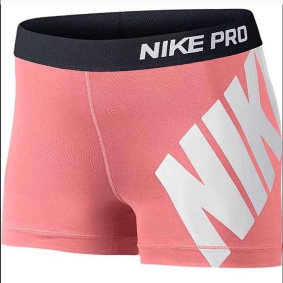 new concept 06f0c 9772c Women s Nike Pro 3