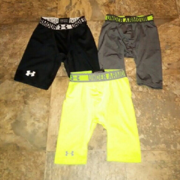Under Armour BOY/'S All Season Gear SHORTS Neon Green Gray YOUTH Size XL