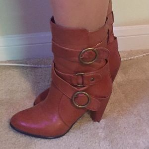 Sexy chestnut boots