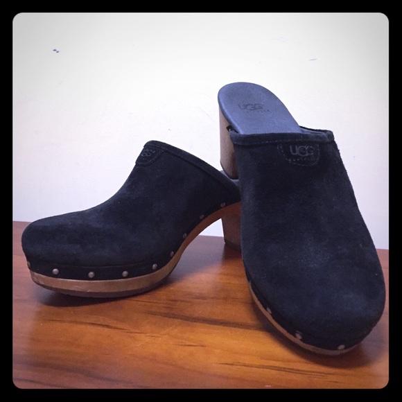 2dd9b107182 Ugg Australia 5772 Black Suede Leather Abbie Mules