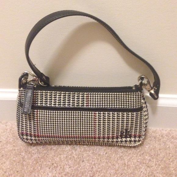 Small houndstooth fabric Ralph Lauren purse. M 568b73c72ba50a3c5a0a7c1e 3dec7e8423