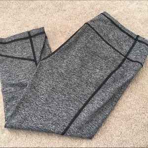 Victoria's Secret Pants - Victoria's Secret work out crops